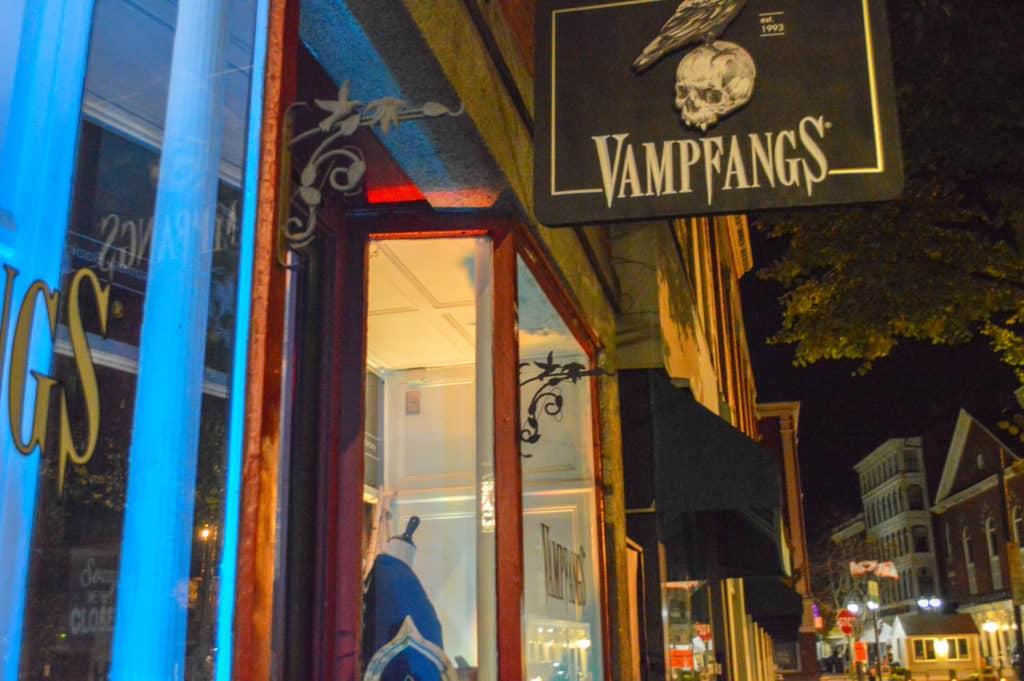 Vampfangs salem ma massachusetts