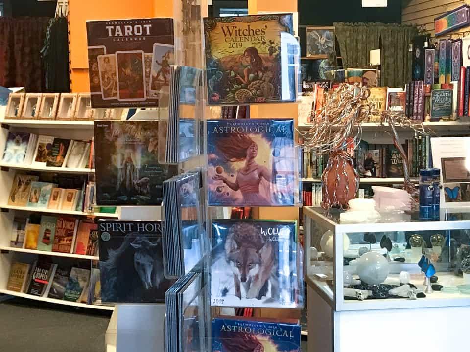 Pyramid Books Salem