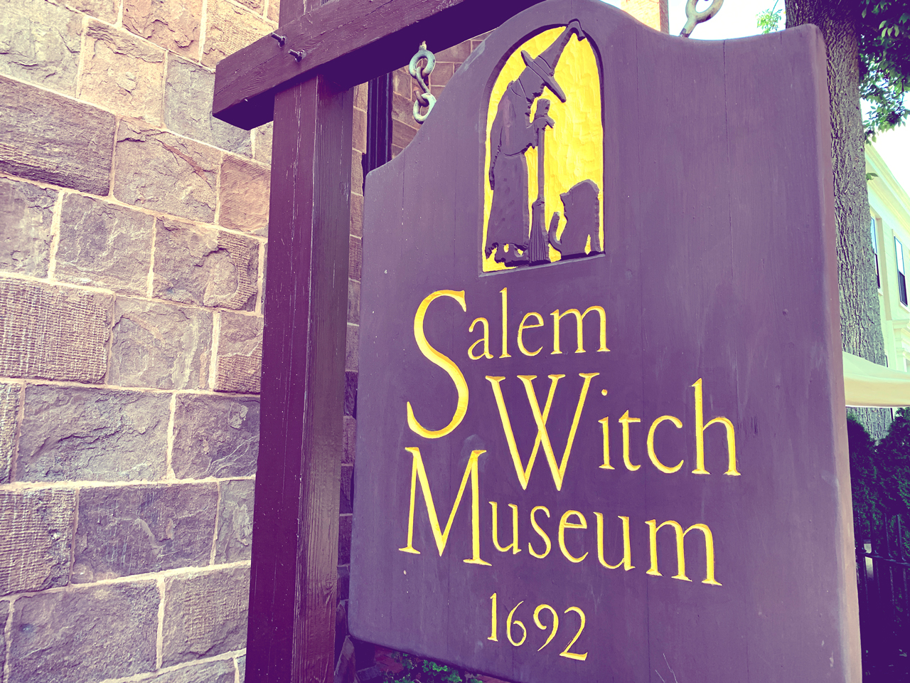 salem-witch-museum-massachusetts-12880x960-04