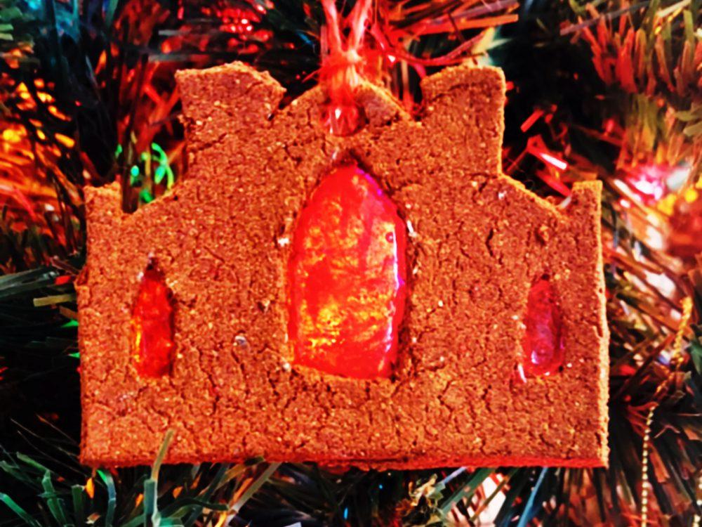 tosalem-witch-museum-yule-ornament-1000x1000