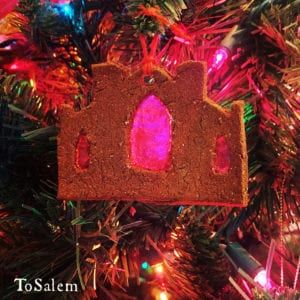 tosalem-witch-museum-yule-ornament2-1000x1000
